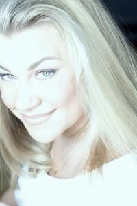 kari kisch beauty and makeup artist